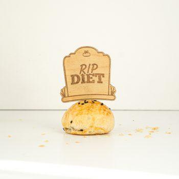 hopia-like-it-cake-topper-rip-diet